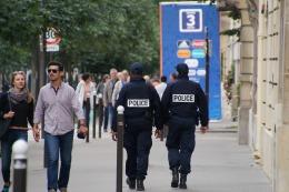 Allgegenwärtig. Polizei, Gendarmerie und Militär in Paris. Einen terroristischen Anschlag werden sie nicht verhindern können.